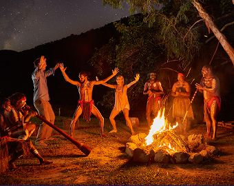 Outback Tasting Tours Brett's Night Tours To Tjapukai entertainment